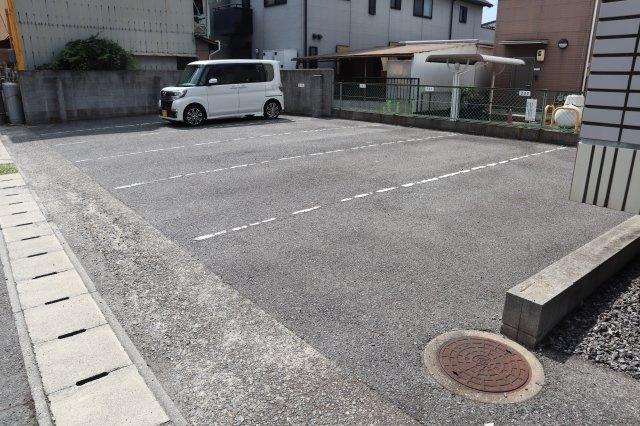 【駐車場】レヴェーユ元町