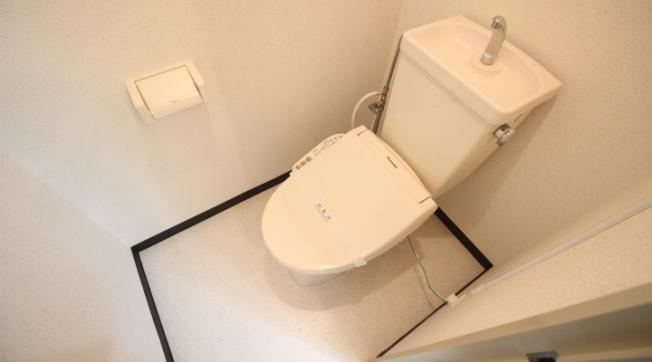 【トイレ】レヴェーユ元町