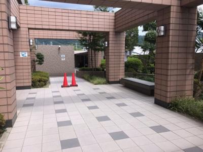 【エントランス】サーパス大東泉町