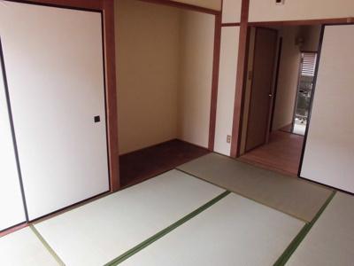 収納と床の間があります。