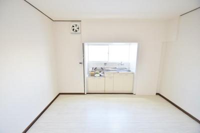 【居間・リビング】小山2丁目戸建貸家