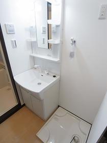 Riria本千葉弐番館の洗面台