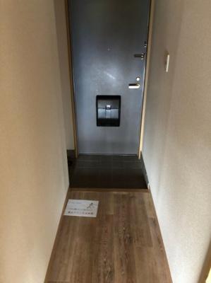明るい玄関です 【COCO SMILE】