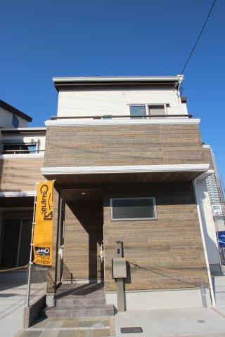 建物価格:1650万円 土地価格:1630万円(建物+土地)合計3280万円 建築条件(付) 実際に建築したお家の外観になります。お気軽に何でもご相談ください♪