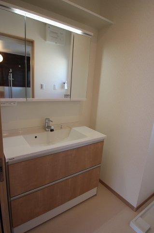 【施工例】実際に建築したお家の洗面台になります。 このような感じの洗面台にすることもできますのでいつでもご連絡ください♪