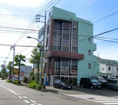 JR横浜線「町田」駅バス13分、最寄バス停徒歩1分です。