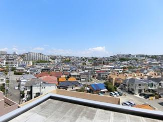 本物件マンション6階ホール部分からの眺望です