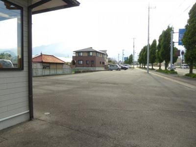 【駐車場】南アルプス市在家塚貸店舗