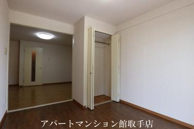 【居間・リビング】キャッスル米の井