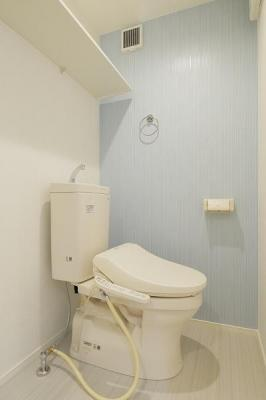 ハーモニーテラス塚越の落ち着いた色調のトイレです☆