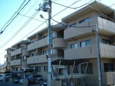 鉄筋コンクリート造のマンション。