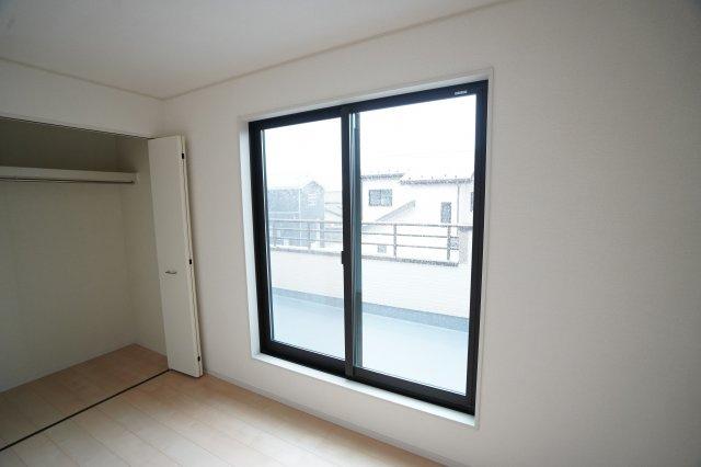 全窓複層ガラスのお家なので、結露しにくく断熱性もあり嬉しいですね。