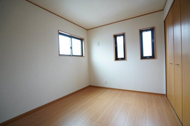 6帖の子供部屋です。子供から大人までずっと長く使えるお部屋になりそうですね。