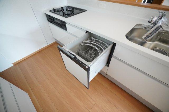 食器洗浄乾燥機がついているのは嬉しいですね。家事の時短になりますよ。