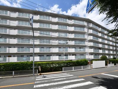 【現地写真】 総戸数125戸の大型マンションです♪