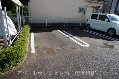 【駐車場】O&KレジデンスB