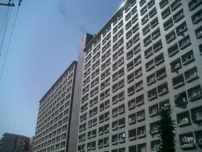 中津エリアの大規模マンション。淀川河川敷もすぐなので、ウォーキングやジョギングも日課になりそう。