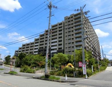 【現地写真】 RC造 12階建てマンションの3階部分です♪全271戸の大型マンション♪
