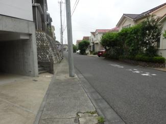 千葉市稲毛区宮野木町 中古一戸建て 稲毛駅 前面道路は車通りの少ない生活道路です♪