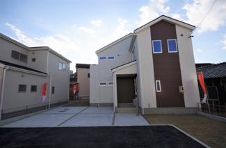 3号棟 現地(2020年1月)撮影 堂々完成しました! 敷地面積266.54㎡(80.62坪)。 駐車2台可能。
