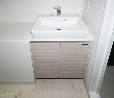 アルテカーサアリビエ東京イーストの独立洗面台