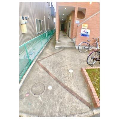 プルメリアールの駐輪スペース