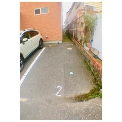 プルメリアールの駐車場