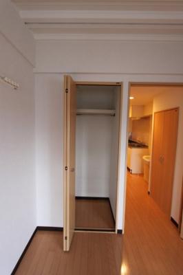 写真は805号室の写真です。