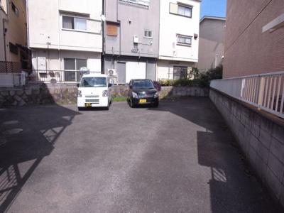 【駐車場】ヤネヤハイツ