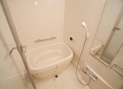 ヨーロッパ風のおしゃれな浴槽