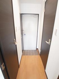 プライディア幕張の玄関
