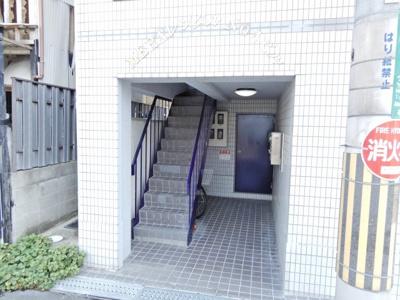 【エントランス】メラレンタルハウス4