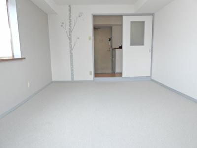 【居間・リビング】メラレンタルハウス4