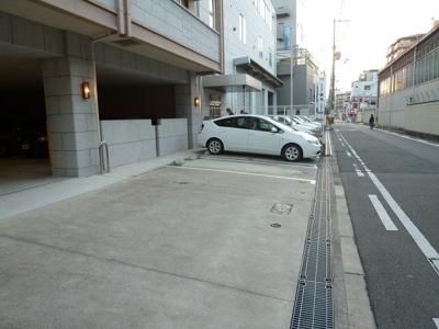 【駐車場】クリーデンズ新大阪