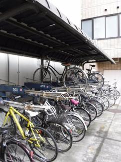 駐輪場スペースも広々