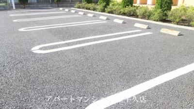 【駐車場】ヴィラ・ア・ラ・モードⅠB