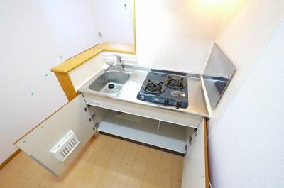 収納力のあるキッチンです