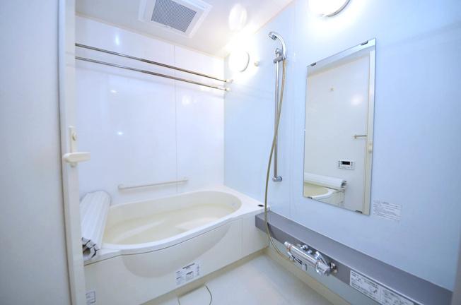 浴室はまだまだ丁寧にお使いで、きれいです