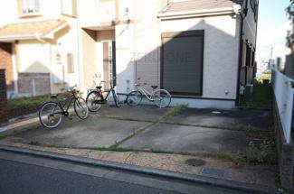 駐車場はゆったり2台可能です