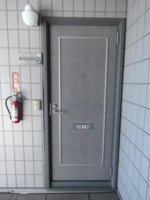 【玄関】ニューリバティ青島