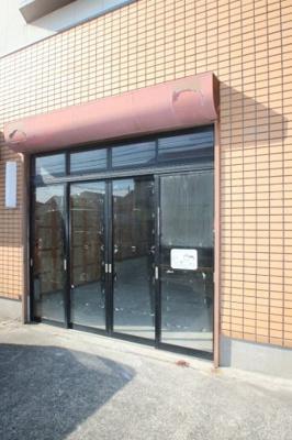 【エントランス】長府松小田本町川島店舗