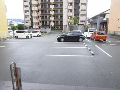【駐車場】ベンハウス