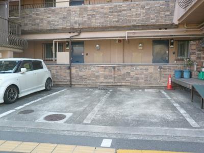 【駐車場】グリーンハウス千里