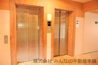 3基エレベーター