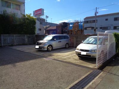 【駐車場】アンボジュール日愛