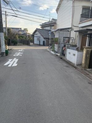 【現地写真】 東向きの土地となっております♪ 前面道路6.3メートルございます♪