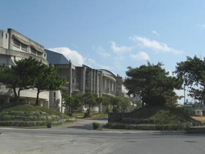 沖縄市立沖縄東中学校まで200m