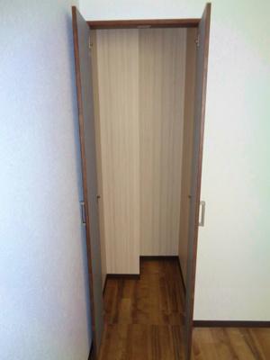 洋室6帖 収納