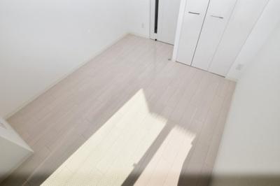 【寝室】ジュネーゼグラン難波ミラージュ
