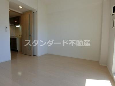 【居間・リビング】レジュールアッシュ梅田NEX